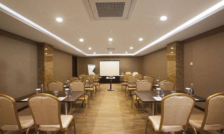 Verse Lite Hotel Gajah Mada Jakarta Indonesia Season Deals From 32